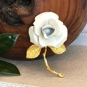 Vintage Giovanni White Rose Brooch